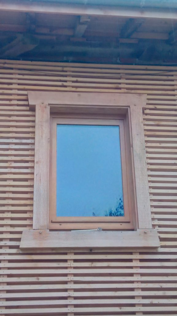 Taille d'un cadre de fenêtre en Douglas