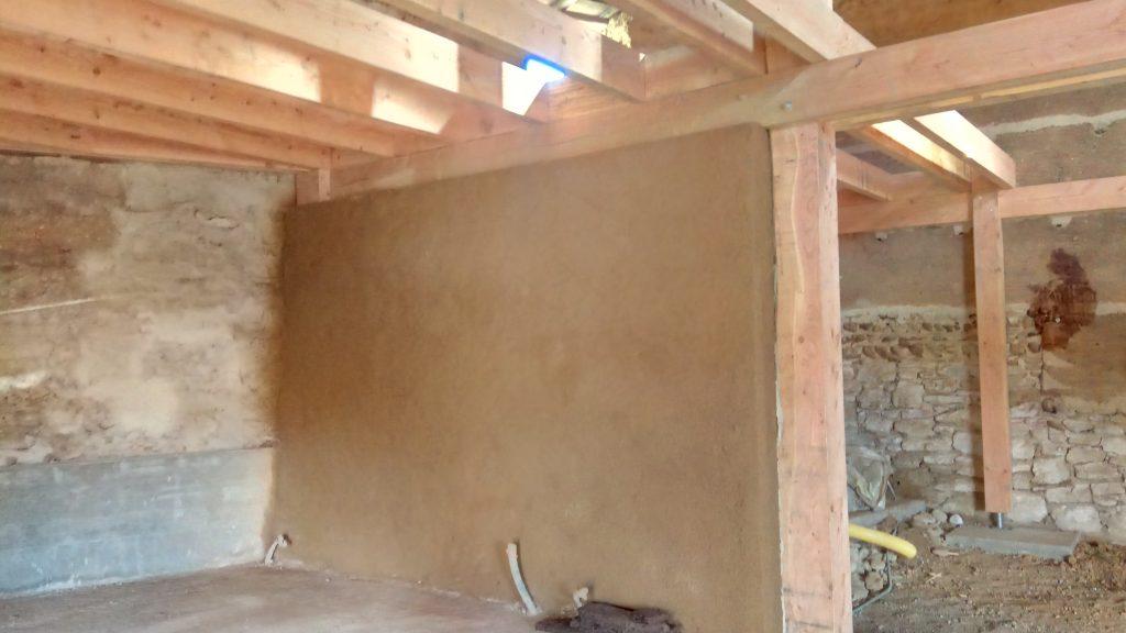 Restauration d'un mur en Pisé